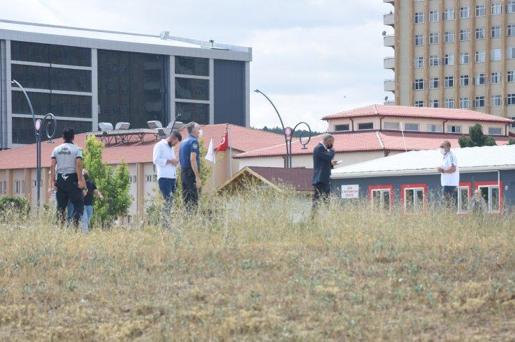 Ambulans helikopter pisti yakınında lastik yakan 2 şüpheli aranıyor