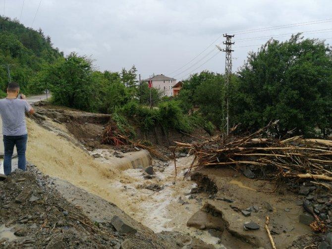 Ayancık'a 240,5 mm yağış düşmüş