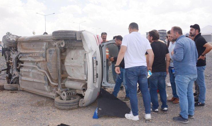 Sürücü adayının kullandığı araç takla attı: 2 yaralı