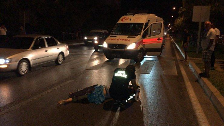 Yaya geçidinde motosikletin çarptığı Rus turist öldü