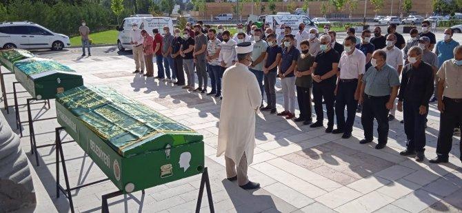 Afyonkarahisar'da 3 cenaze 3 acı