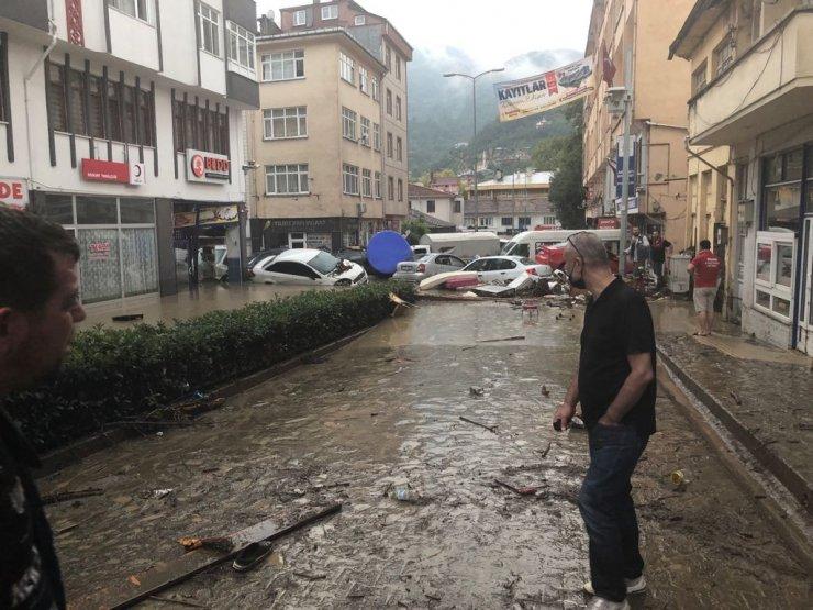 Sel felaketinde 6 kişi hayatını kaybetti