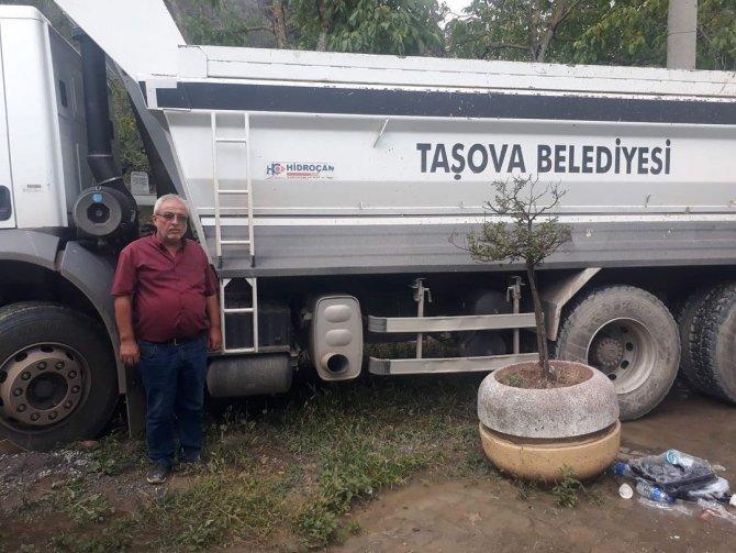 Taşova Belediyesi'nden Kastamonu'ya yardım eli