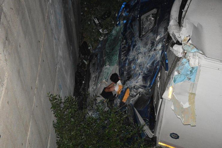 TIR şoförü, takip cihazı sayesinde kaza yaptığı yerde yaralı bulundu