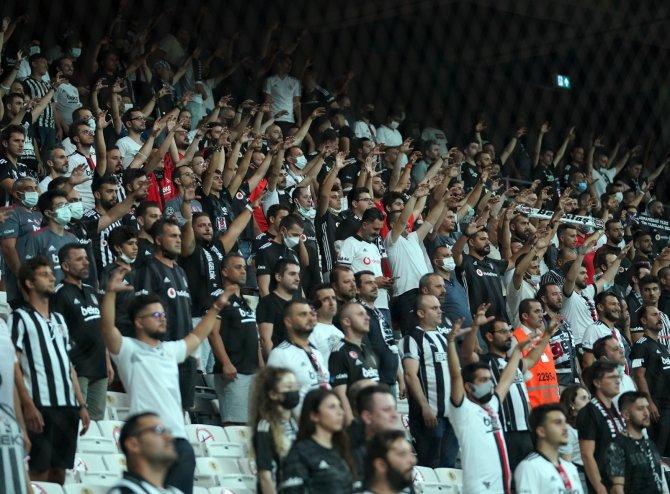 Beşiktaş, 526 gün sonra taraftarıyla buluştu