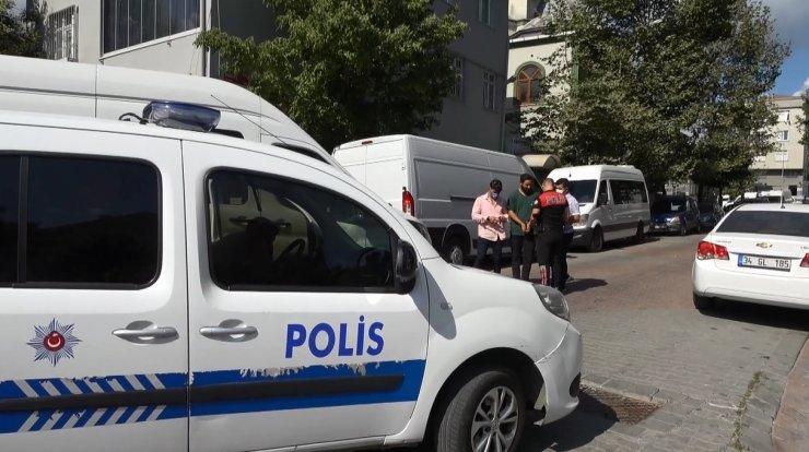 Bir minibüs dolusu kaçak göçmen yakalandı