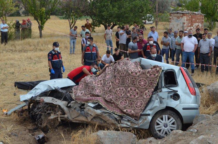 Fransa'dan kardeşinin düğünü için geldi, ağabeyi ile kazada öldü