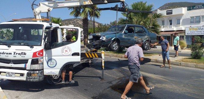 Makas atan otomobil sürücüsü kazaya neden olup kaçtı