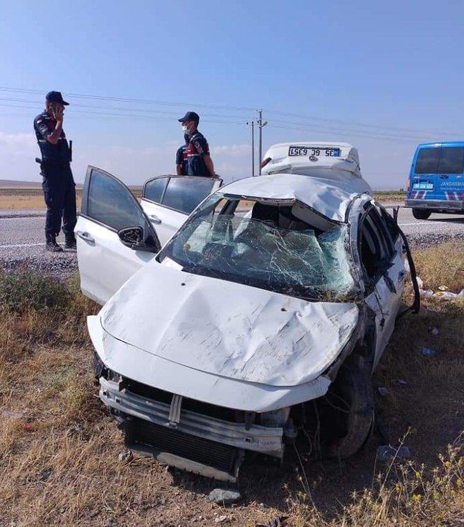 Otomobil şarampole devrildi; ağabey öldü, 2 kardeşi yaralı