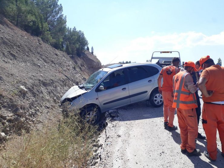 Otomobil, şarampole düştü; 1 ölü, 6 yaralı