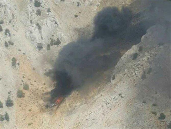 Düşen yangın söndürme uçağının enkazına ulaşıldı