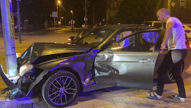 Gurbetçinin otomobiliyle ticari taksi böyle çarpıştı