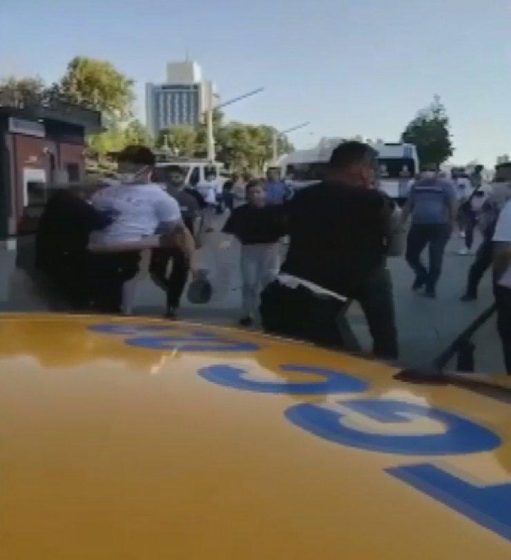 Taksim'deki kavgadan tepki çeken görüntüler