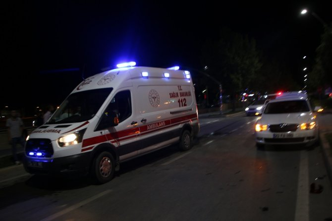 Trafik kazası: 1'i ağır 2 yaralı
