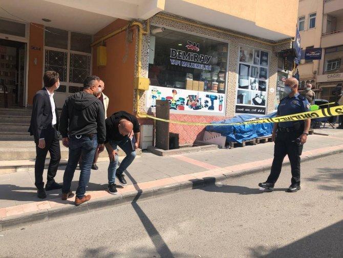 Şehrin en işlek sokağında silahla çatıştılar