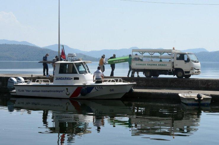 Tur teknesinde asker eğlencesi kanlı bitti: 1 ölü, 12 gözaltı