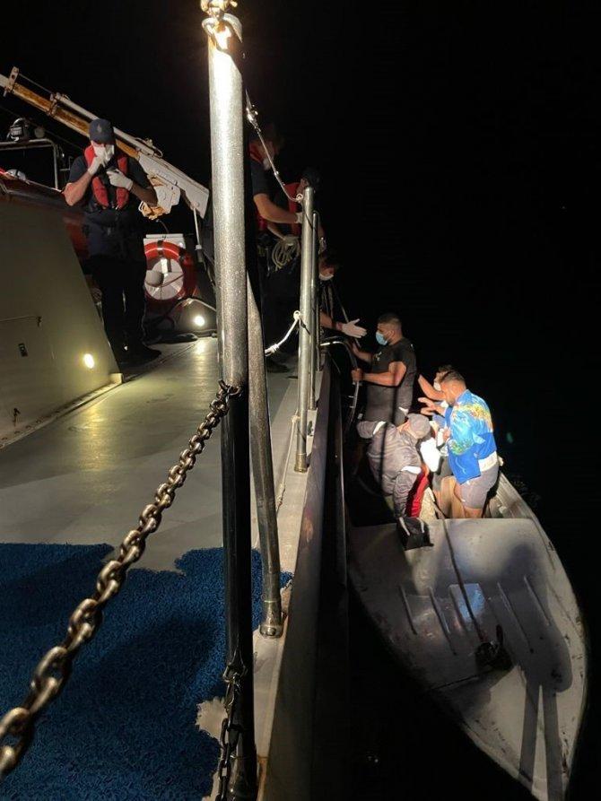 Yunan askerinin geri ittiği göçmenleri Türk Sahil Güvenlik kurtardı