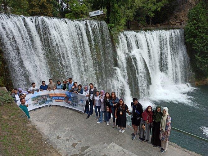 Başarılı gençlere Bosna Hersek ödülü