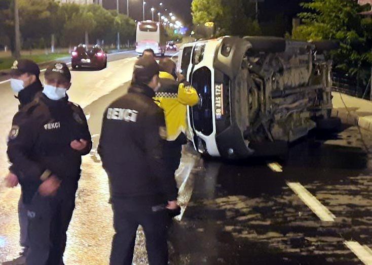 Trafik kazasında yaralanan hastayı taşıyan ambulans ile otomobil çarpıştı: 4 yaralı