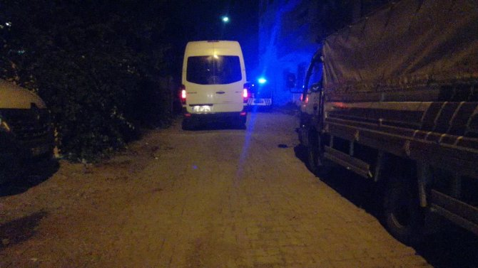 Kocaeli'de aniden fenalaşan 19 yaşındaki genç hayatını kaybetti