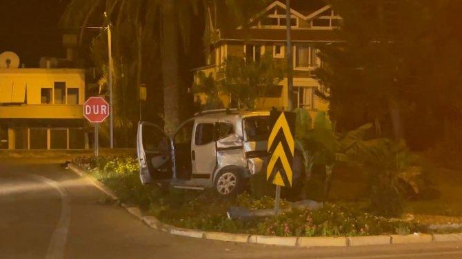 Ambulansla hafif ticari araç çarpıştı: 1 yaralı