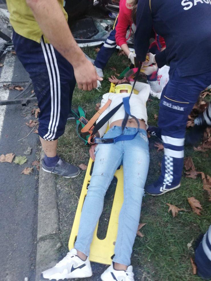 Samsun'da otomobil ile hafif ticari araç çarpıştı: 3 yaralı
