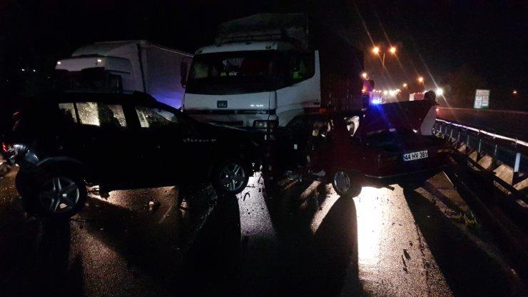 Sapanca'da zincirleme kaza: 5 yaralı