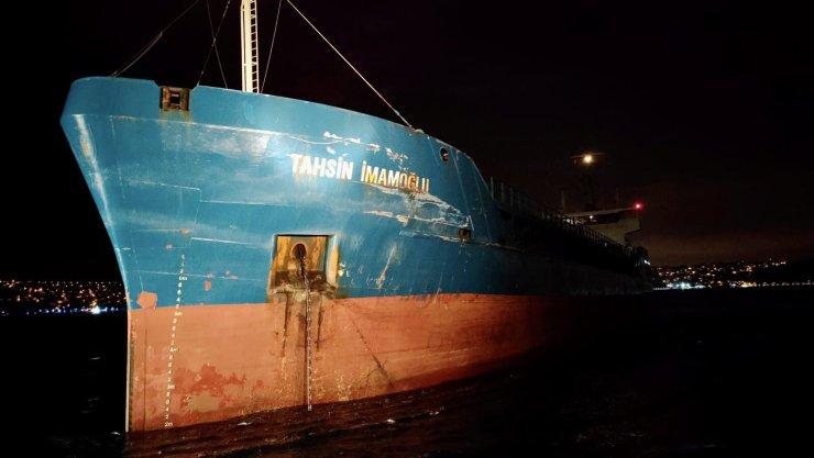 İstanbul Boğazı'nda 2 kuruyük gemisi çarpıştı-1