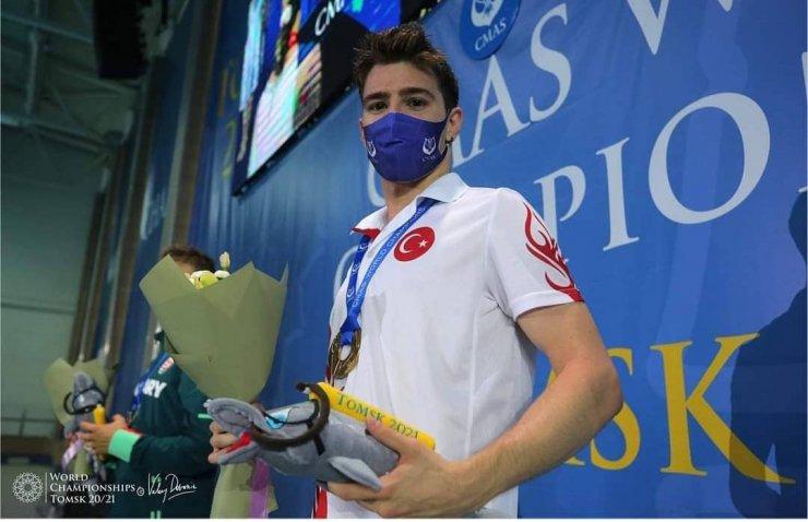 Milli sporcu Derin Toparlak, Dünya şampiyonu