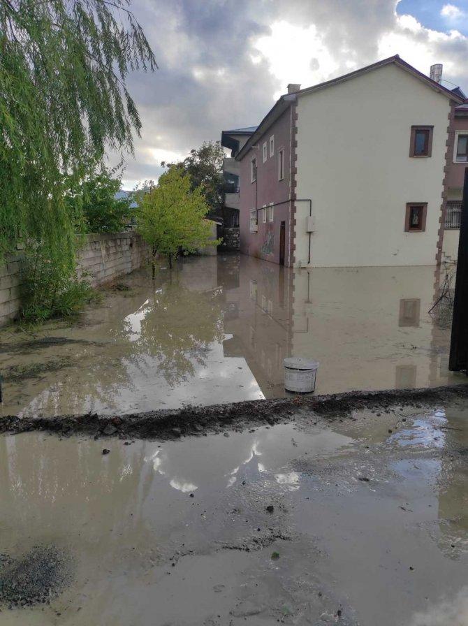 VASKİ, su baskını bölgesinde