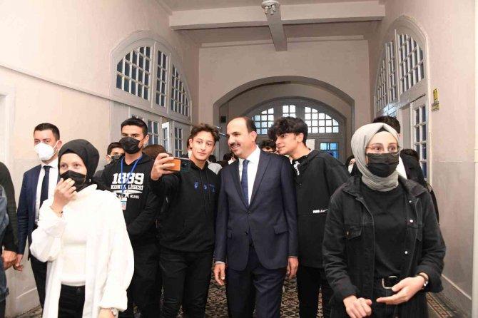 Başkan Altay mezun olduğu Konya Lisesi'nde