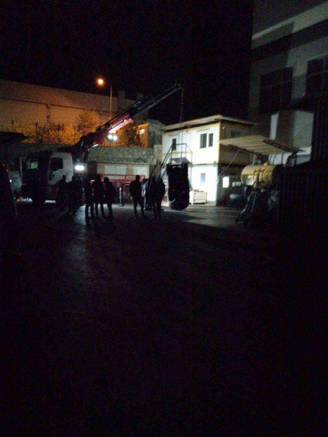 Forklift'in altında  kalan işçi hayatını kaybetti