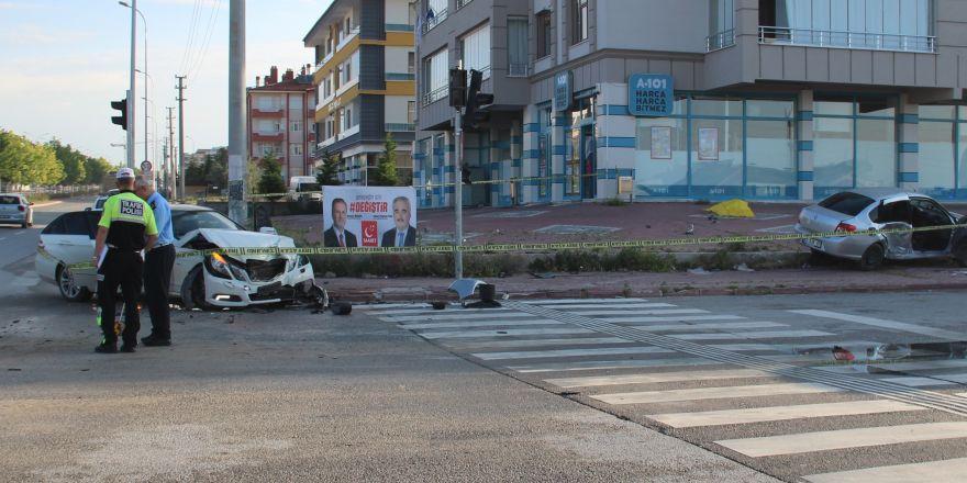 Konya'da feci kaza! Trafik polisi kazada yaralandı, kardeşi öldü