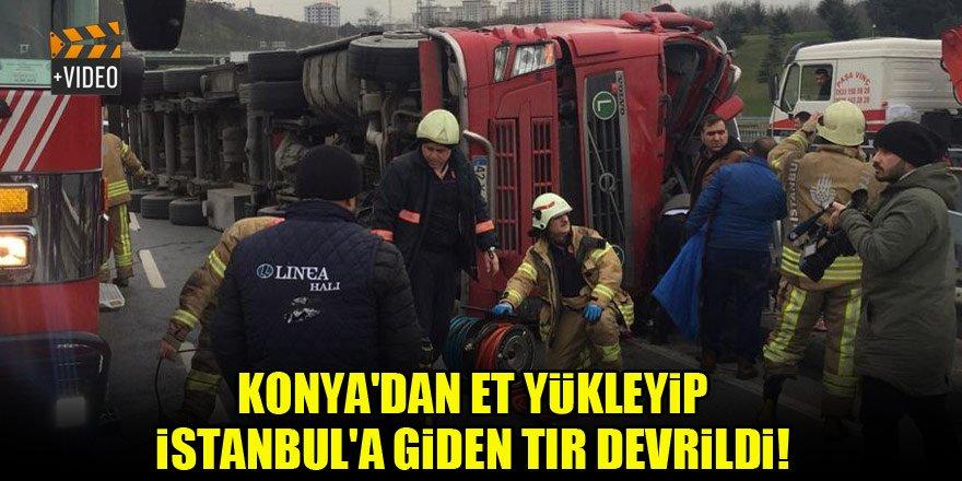 Konya'dan et yükleyip İstanbul'a giden tır devrildi!