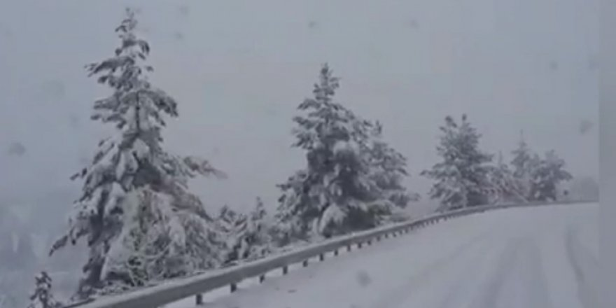 Anadolu Selçukspor, kar üzerinde güçlükle ilerliyor! VİDEO