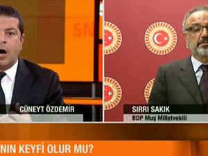 Cüneyt Özdemir'den Sırrı Sakık'a: Batsın Böyle Siyaset
