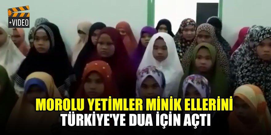 Morolu yetimler minik ellerini Türkiye'ye dua için açtı