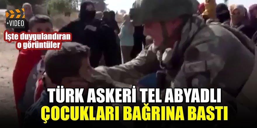 Türk askeri Tel Abyadlı çocukları bağrına bastı İşte duygulandıran o görüntüler