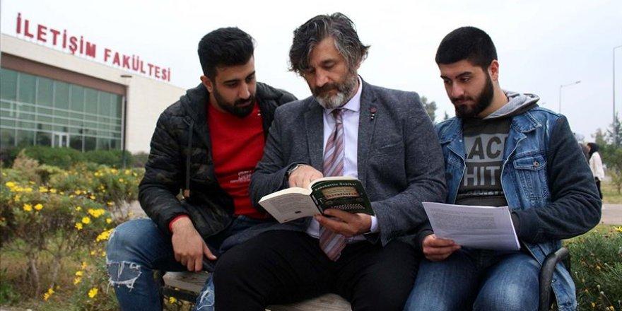 """Baba ile iki oğlunun aynı fakültede gülümseten """"öğrencilik"""" hayatı"""