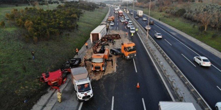 TEM Otoyolunda trafik kitlendi