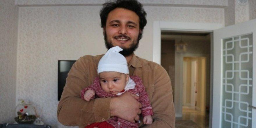 Bir aylık bebeğini bırakıp deprem bölgesine koştu