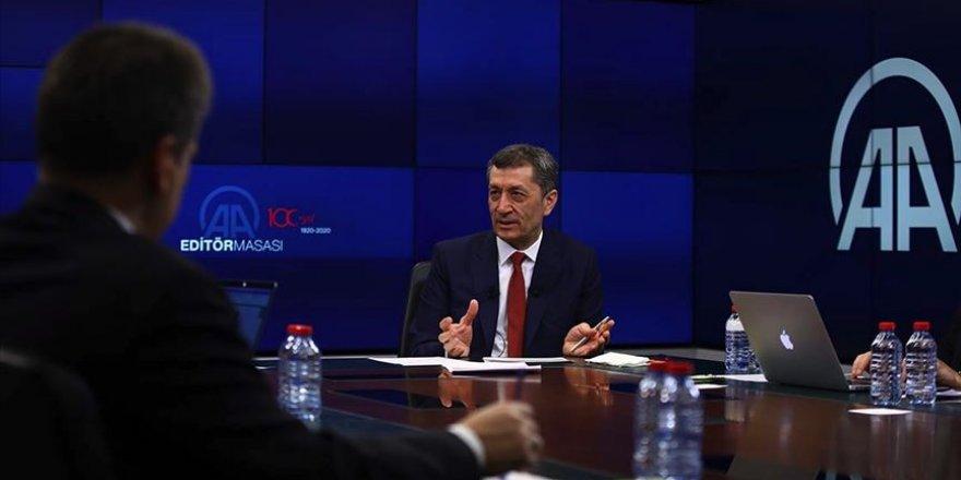 Milli Eğitim Bakanı Selçuk uzaktan eğitimin detaylarını açıkladı