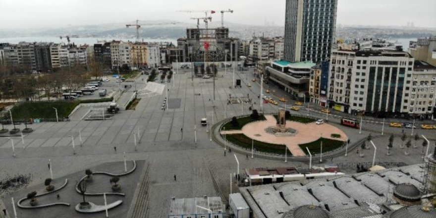 Korona virüs salgını nedeniyle Taksim ve İstiklal Caddesi boş kaldı