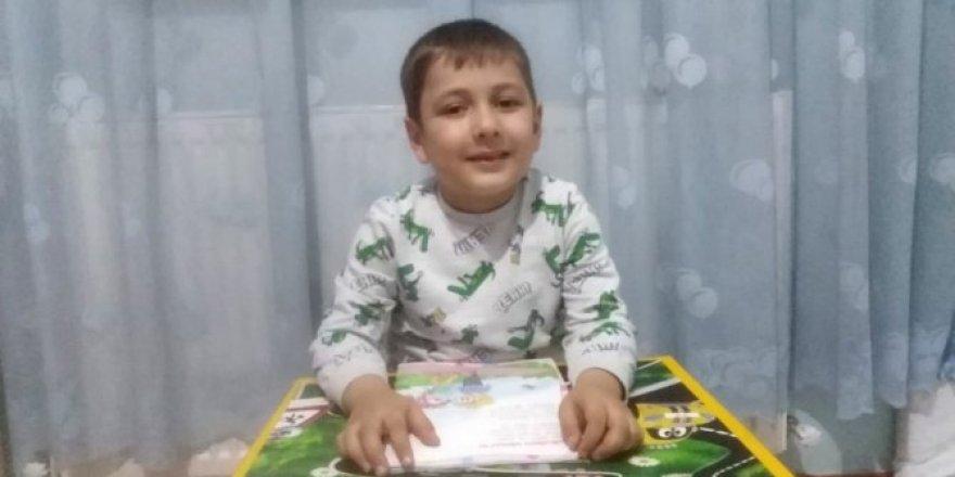 Okulunu özleyen küçük Doğan Ahmet'in gözyaşları