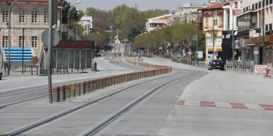 Konya'da sokağa çıkma kısıtlaması sonrası sokaklar boş kaldı