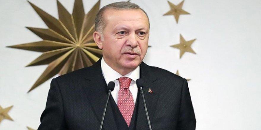 Erdoğan paylaştı! Saat 21.00'de balkonlardan İstiklal Marşı okunacak