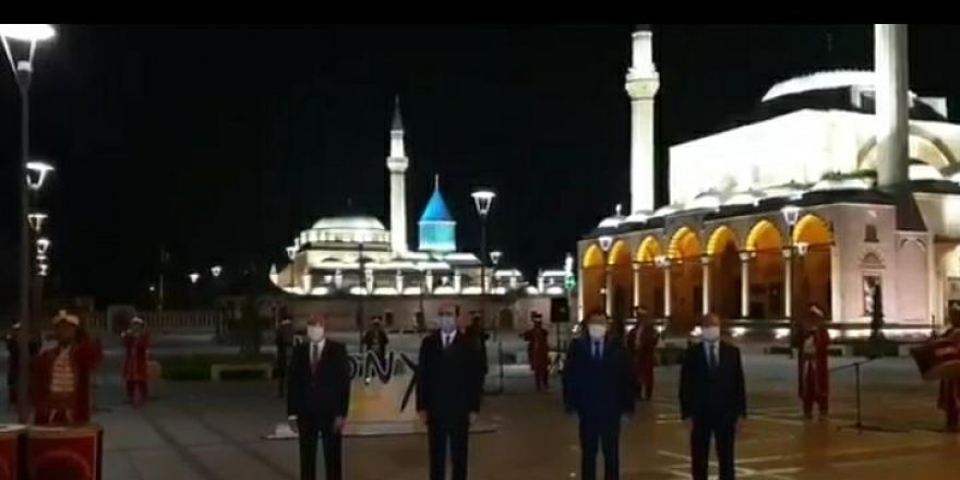 Konya'da belediye başkanları Mevlana Meydanında İstiklal Marşını okudu