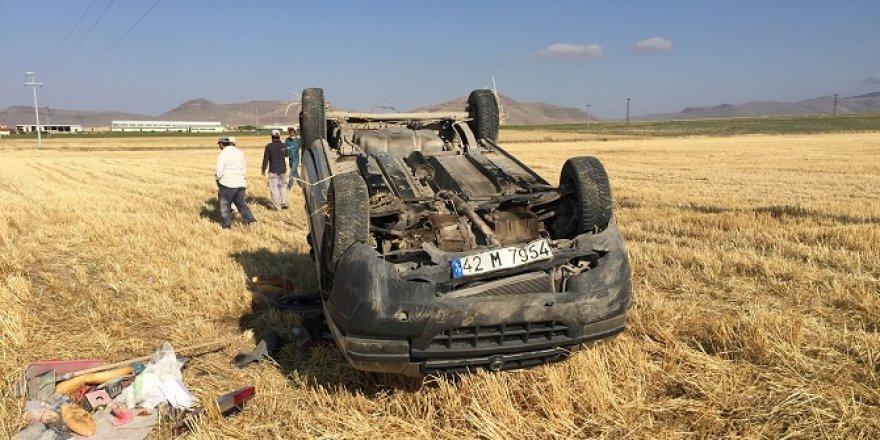 Konya'da işçileri taşıyan hafif ticari araç takla attı