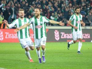 Azeri spiker T.Konyaspor'un golüne böyle sevindi
