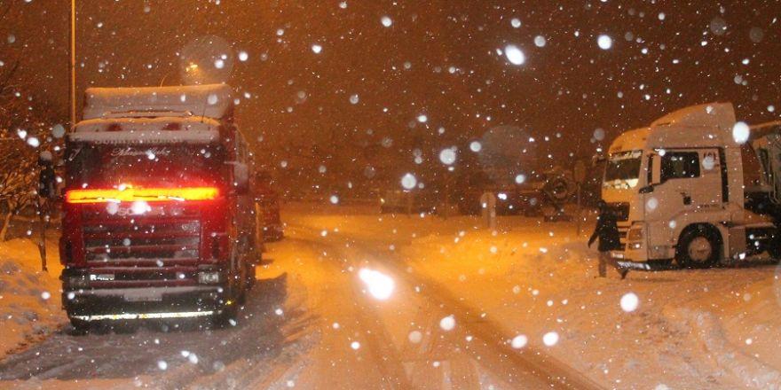 Konya'da bazı yollar ulaşıma kapandı